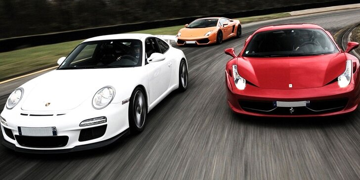 červené ferrari, biele porsche, oranžové lamborghini, rýchle autá, preteky, závody, rýchla jazda, vysoká spotreba paliva