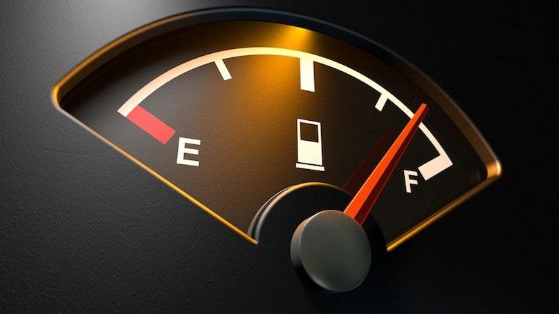 kontrolka spotreby vozidla, väčšia spotreba vozidla, zníženie spotreby vozidla, kontrolka na prístrojovej doske
